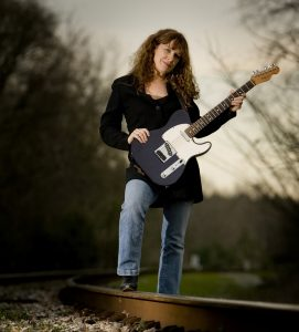 Live on the Plaza: Debbie Bond in Concert