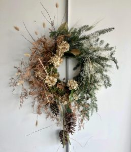 Wreath Making with Holly Carlisle | A Members-excl...