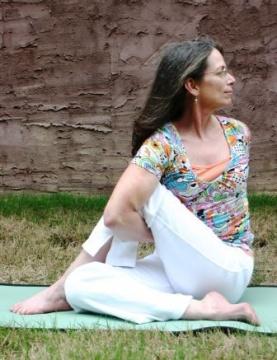 India Henson Yoga